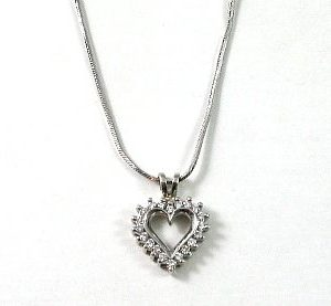 Diamonds small heart white gold pendant