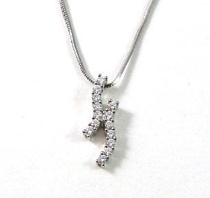 H shaped diamonds setting pendant