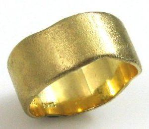 Flat curved, mat texture, wedding band