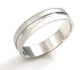 Sewing wedding band with a line in the middle ,mat texture