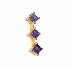 Three stones Tanzanite yellow gold pendant