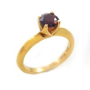 Rhodolite garnet solitaire ring model Victoria