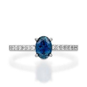 Blue Sapphire & diamonds ring