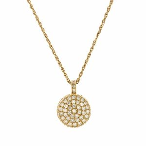 Round diamonds pendant model Berry