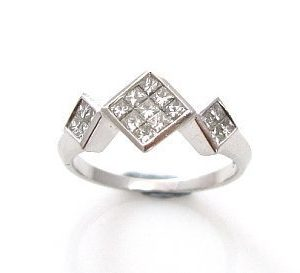 Ring set with princess cut diamonds