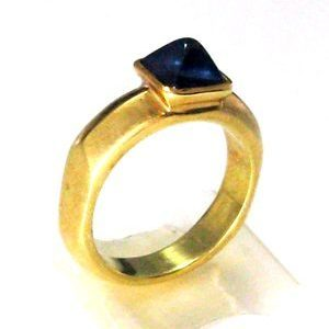 Pyramid Sapphire solitaire ring
