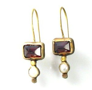Handmade Red Garnet & pearls earrings