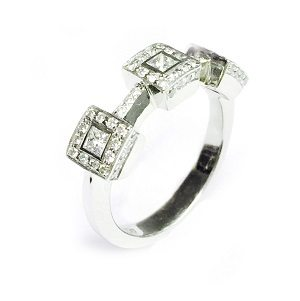 Diamonds 3 squares ring