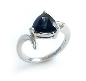 Blue Sapphire solitaire ring model Harper