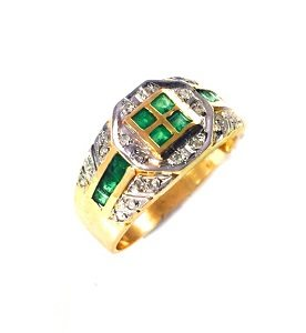 Marquise ring Emeralds with diamonds