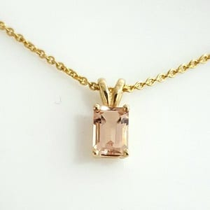 Morganite solitaire yellow gold pendant Octave