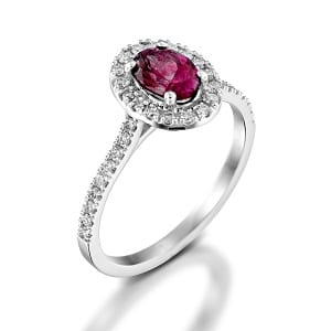 Garnet & diamonds ring model Moran