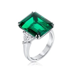 Emerald & diamonds ring model will 3 carats