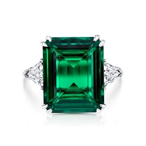 Emerald & diamonds ring model will 5-6 carats